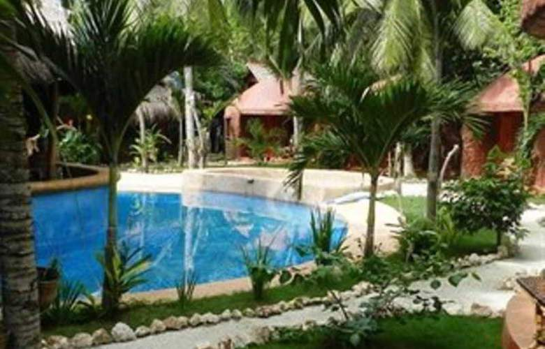 Panglao Chocolate Hills Resort - Pool - 15