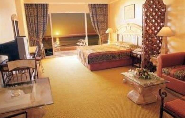 Landmark Suites Ajman - Room - 6