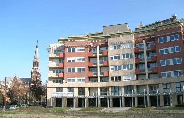 Far Home Apartments - Hotel - 0