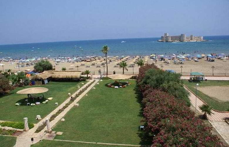 Barbarossa - Beach - 6