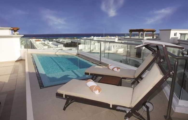The Royal Playa del Carmen All Inclusive - Terrace - 20