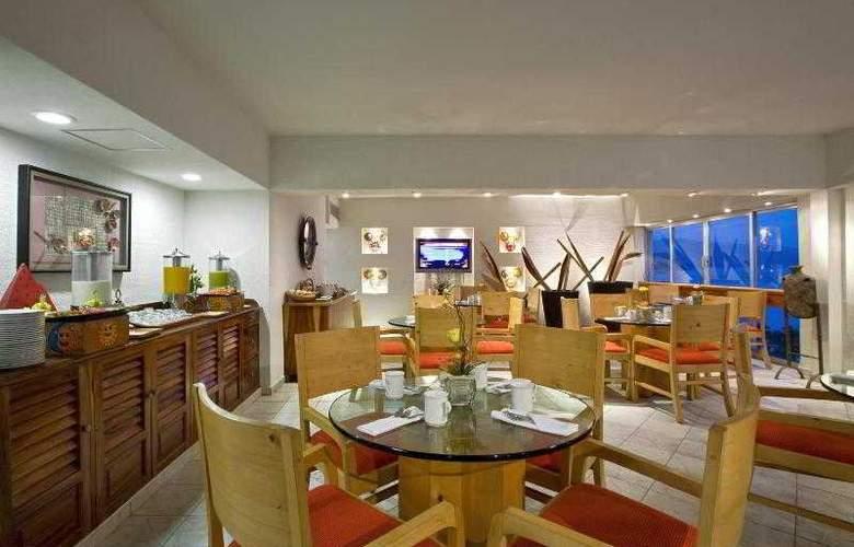 Sheraton Buganvilias Resort & Convention Center - Restaurant - 32