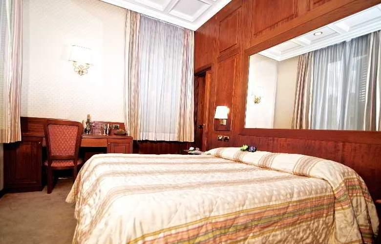 Dock (All Suites) - Room - 8