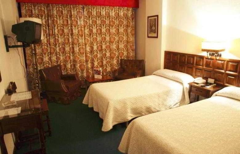Monclus - Room - 3