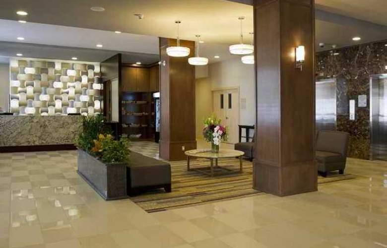 DoubleTree by Hilton Kamloops - Hotel - 1