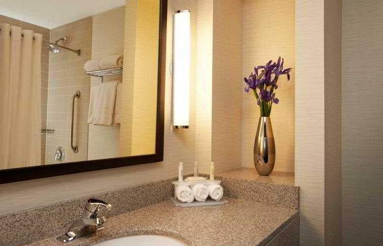 Holiday Inn Express & Suites Vaughan - Room - 4
