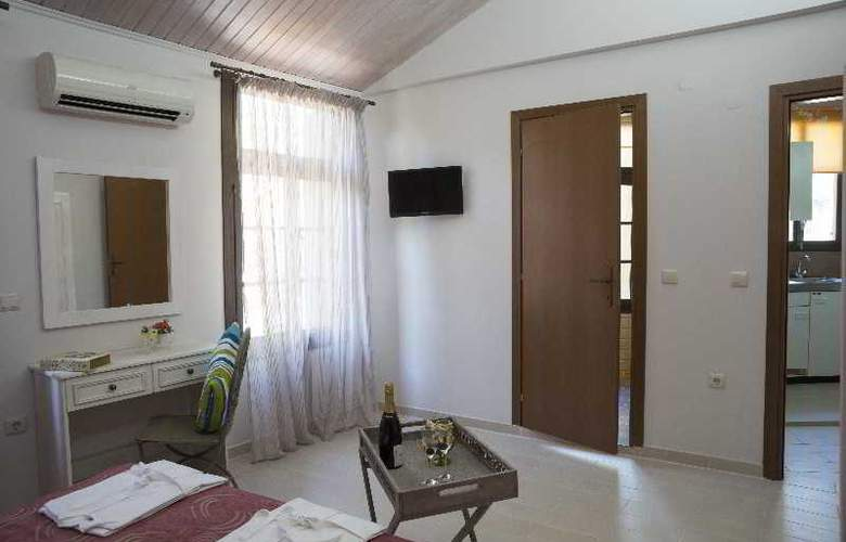 Elia Portou Studios - Room - 4