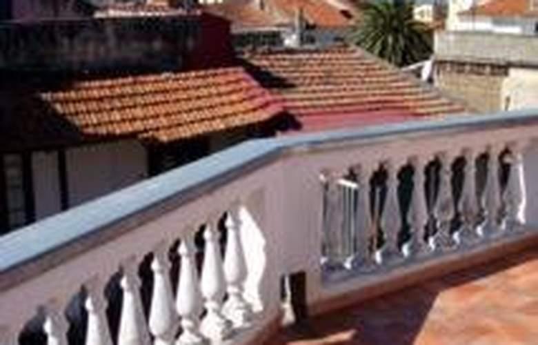 Sorrento Town Suites - Terrace - 7