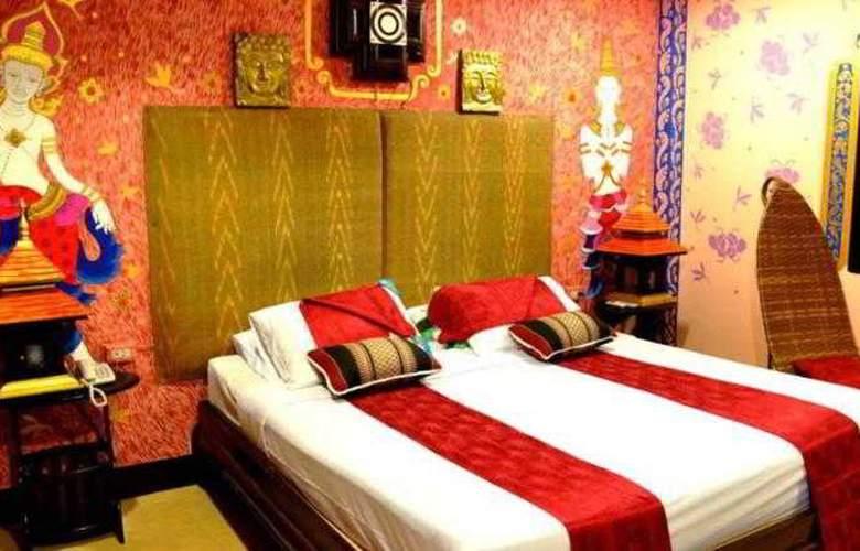 Parasol Inn - Room - 17