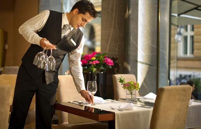 Best Western Premier Slon - Restaurant - 28