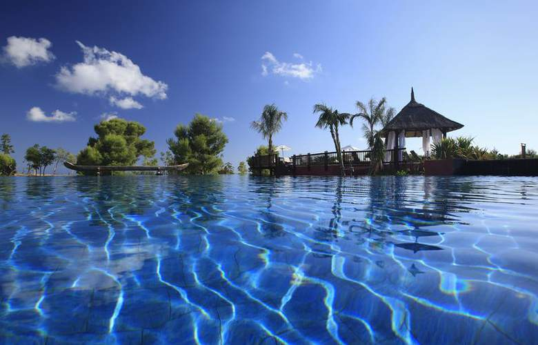 Asia Gardens Hotel & Thai Spa, a Royal Hideaway Hotel - Pool - 3
