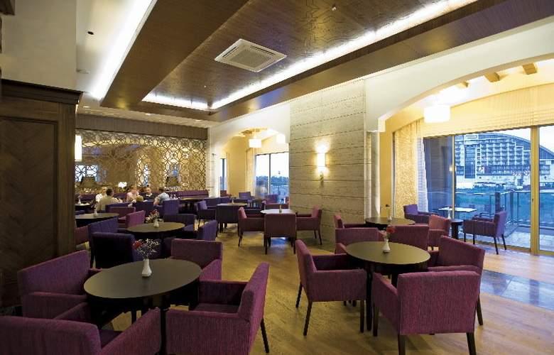 Melas Lara Hotel - Restaurant - 10