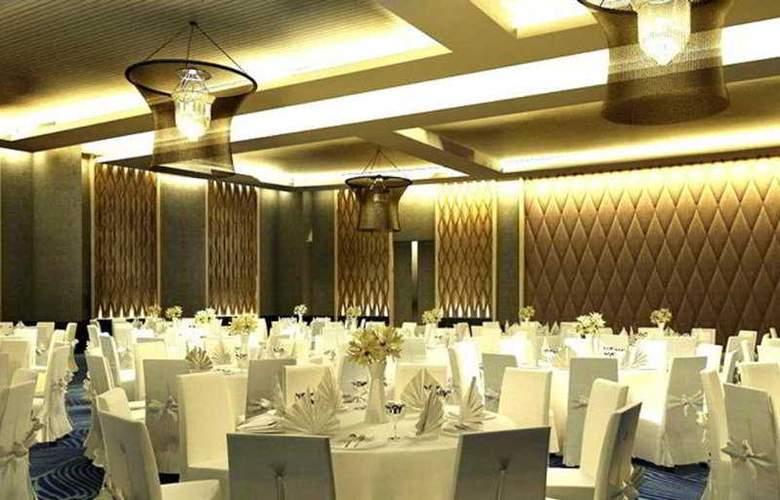 Rua Rasada Hotel & Convention Center - Restaurant - 9