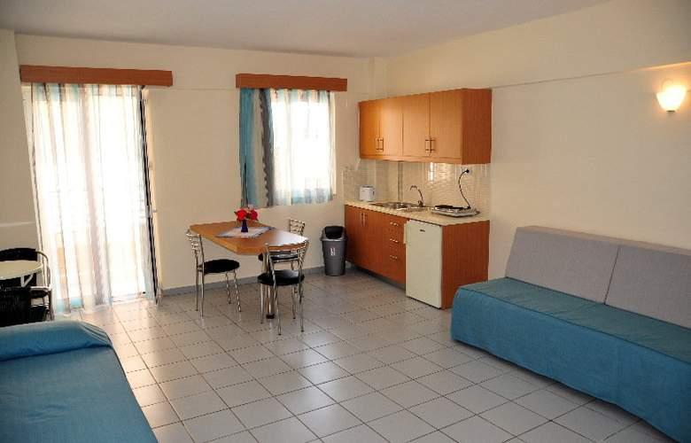 Acropolis Apartments - Room - 7