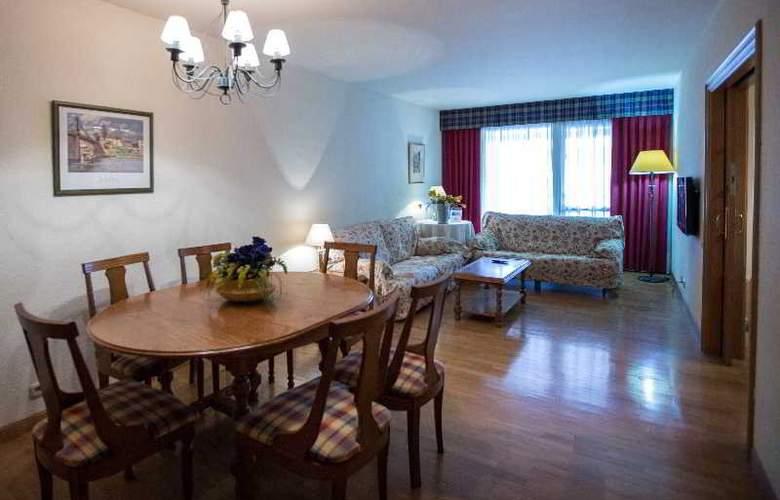 Apartamentos Gestion de Alojamientos - Room - 17