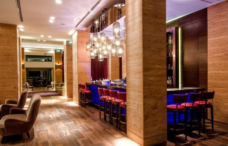 Metropol Palace - Bar - 10