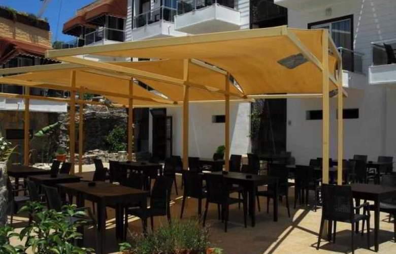 Risa Hotel - Terrace - 6