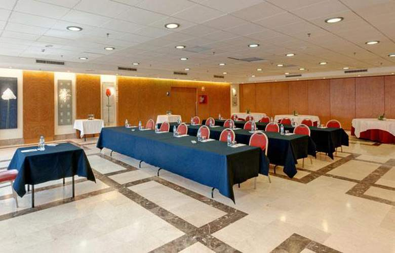 Tryp Valencia Azafata - Conference - 17