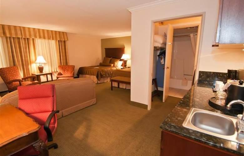 Best Western Plus White Bear Country Inn - Room - 79