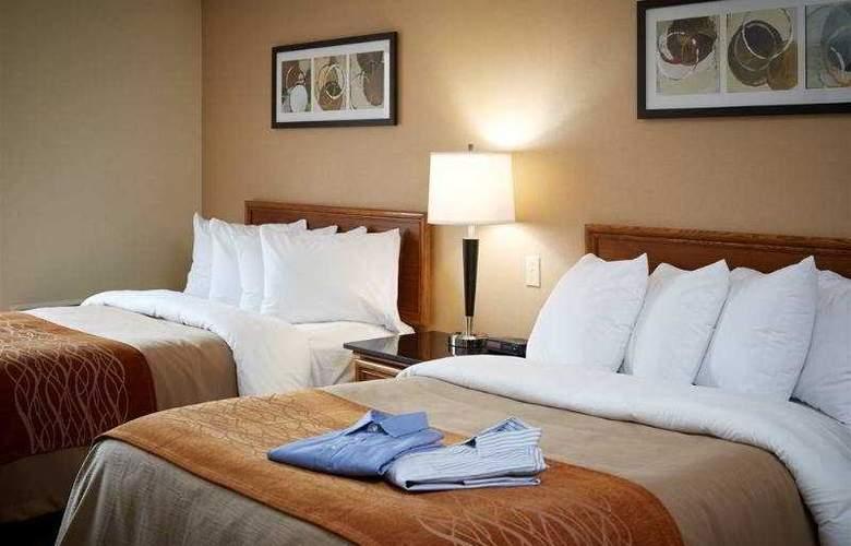 Comfort Inn Brossard - Room - 0