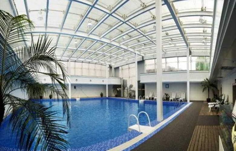 Changshu Mandarin - Pool - 3