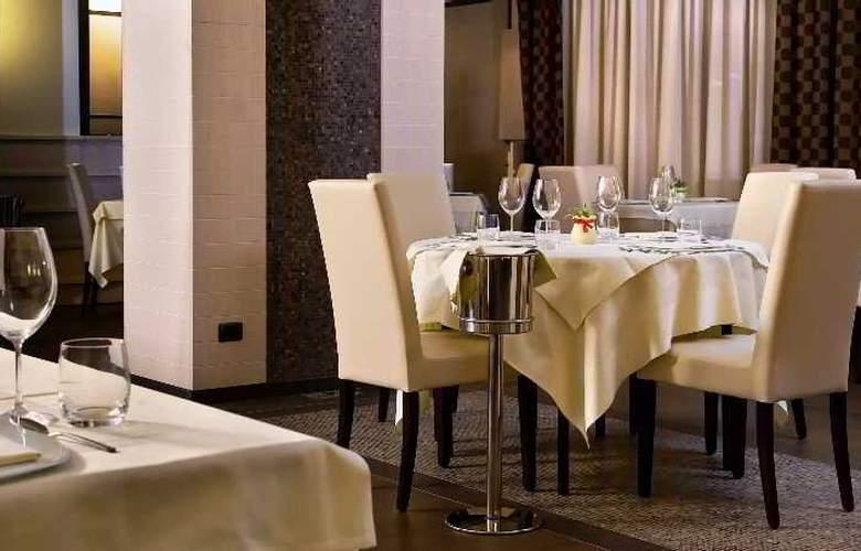 Viola Palace Hotel - Restaurant - 19