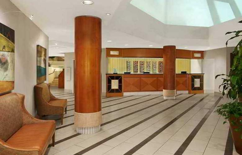 Embassy Suites Kansas City - Overland Park - Hotel - 1