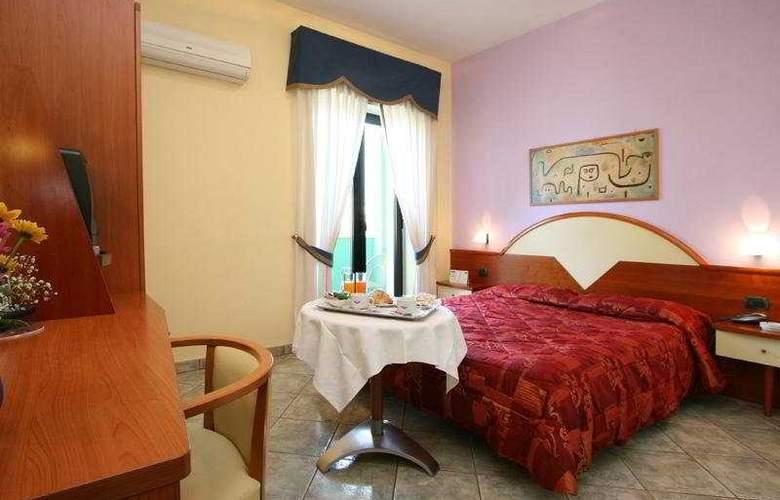 Maiuri - Room - 4