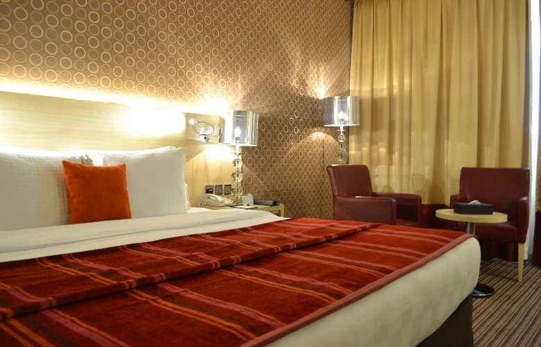 Saffron Boutique Hotel - Room - 5