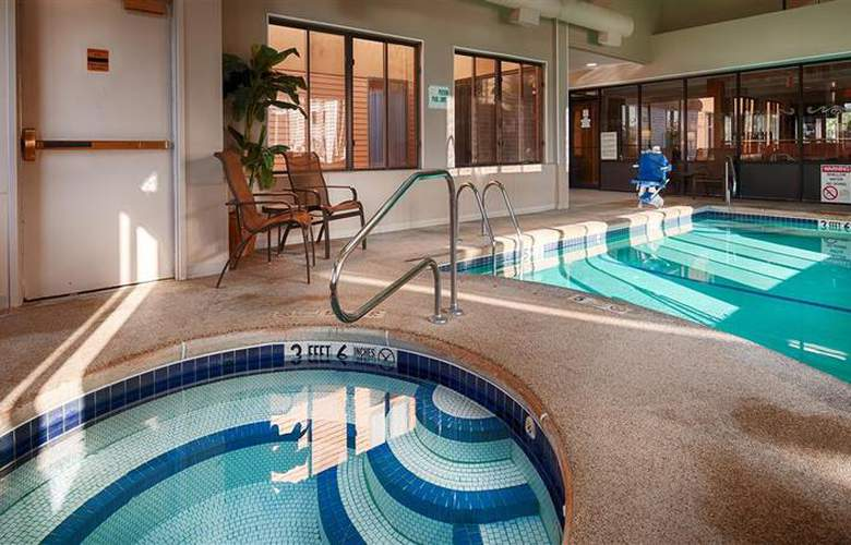 Best Western Dunkirk & Fredonia Inn - Pool - 26