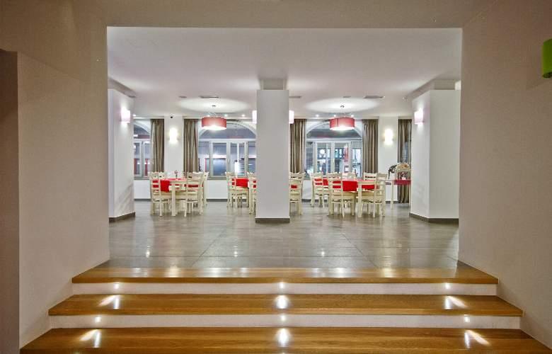 Xenia Hotel - Restaurant - 11