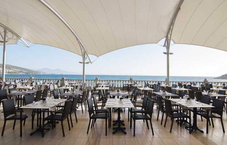 Tusan Beach Resort - Restaurant - 18