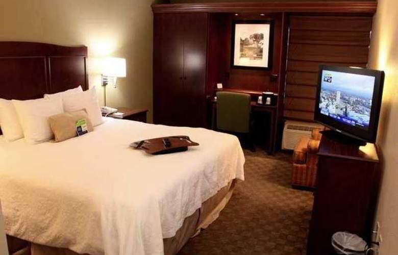 Hampton Inn Columbia-I-26 Airport - Hotel - 1