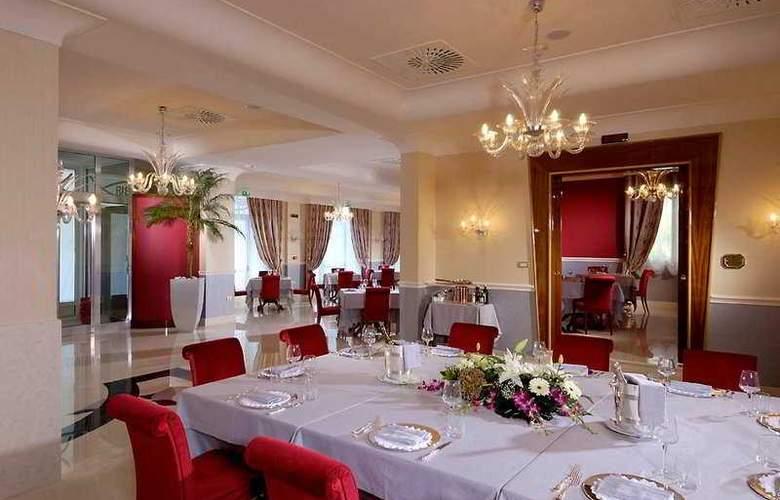 Zanhotel & Meeting Centergross - Restaurant - 11