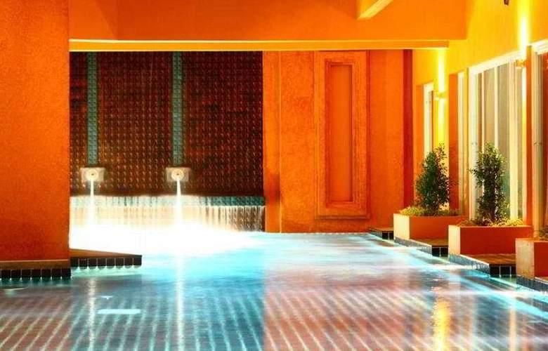 The Small Resort - Pool - 8