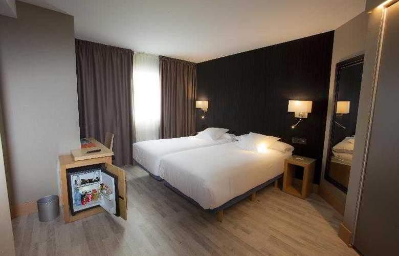 Plaza - Room - 7
