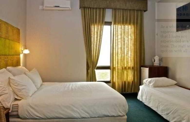 Shtarkman Erna - Room - 8