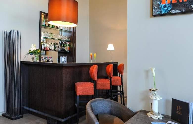Grand Hotel - Bar - 18