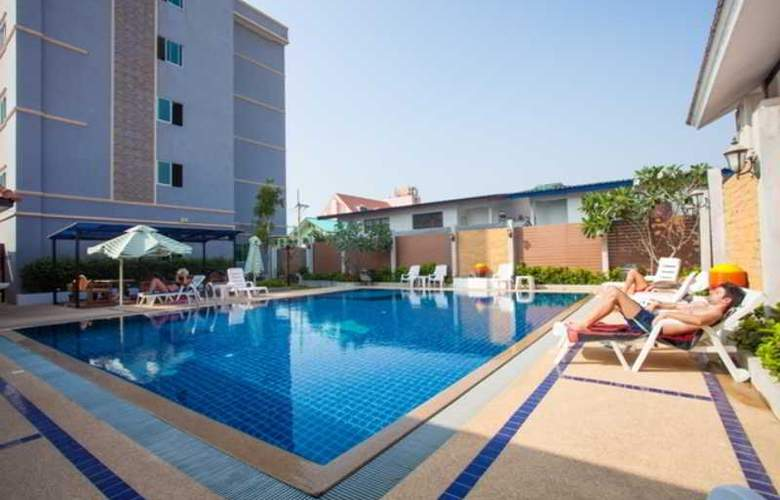 Suksabai Residence Pattaya - Pool - 51