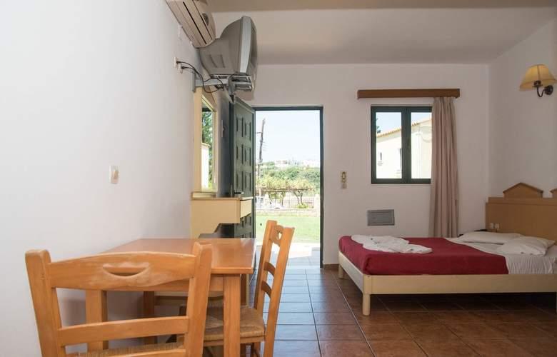 Porto Village - Room - 1