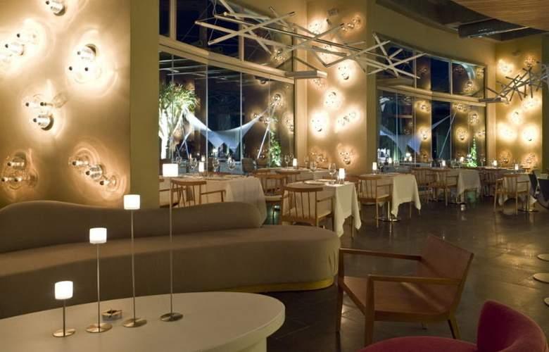 Kuum Hotel - Restaurant - 10