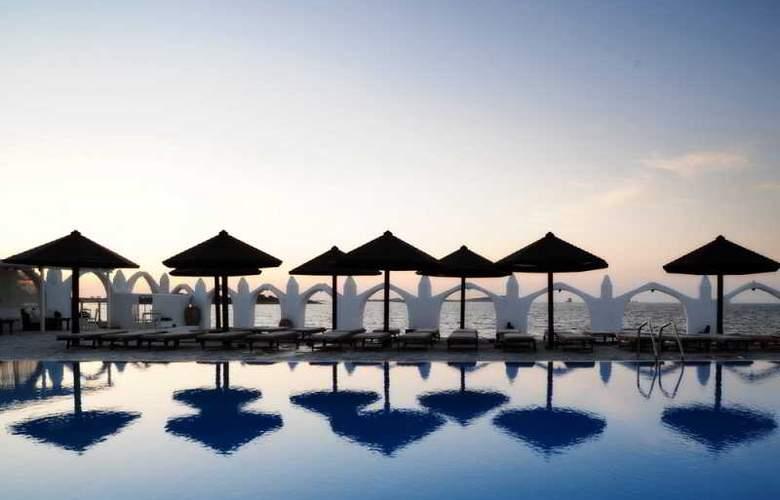 Holiday Sun - Pool - 1