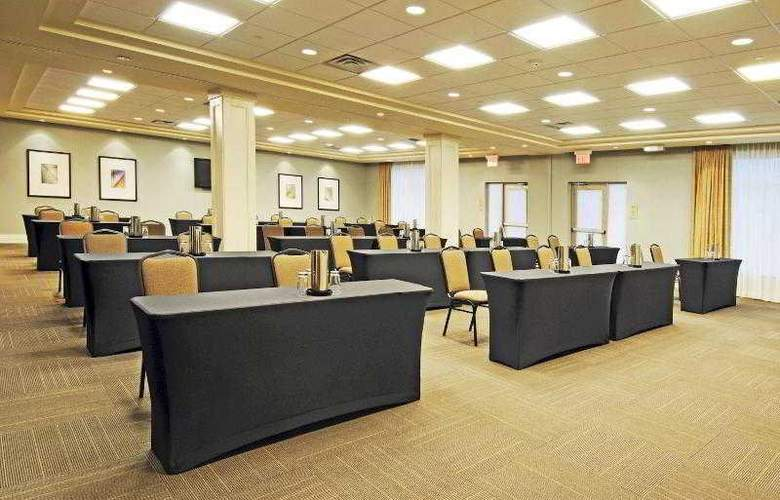 Holiday Inn Express & Suites Vaughan - Hotel - 18