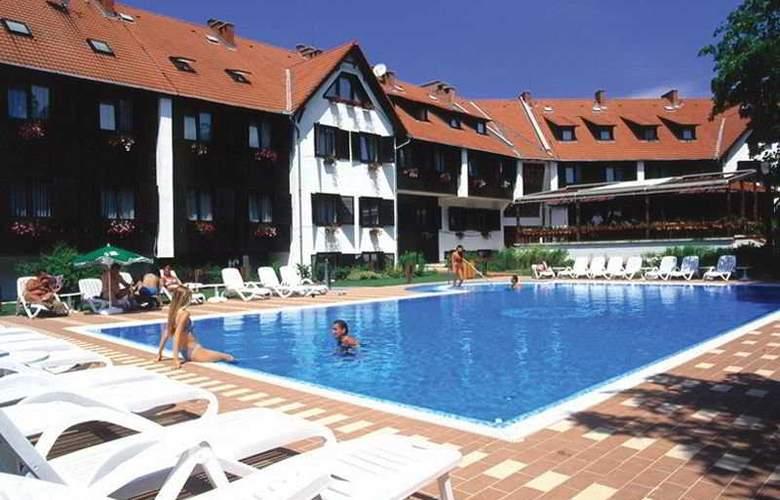 Normafa - Pool - 7