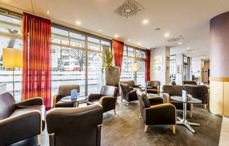 Holiday Inn Express Berlin City Centre - General - 13