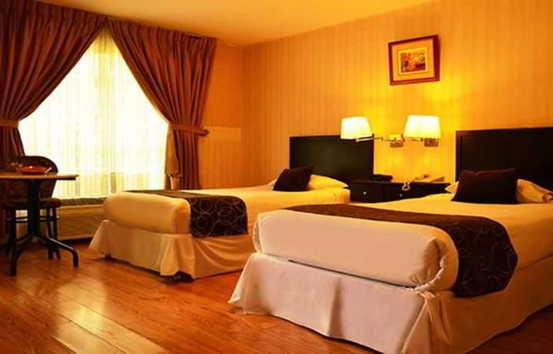 Basadre Suites - Room - 11