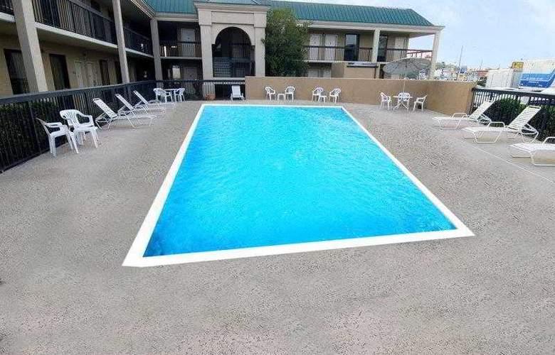 Best Western Emporia - Hotel - 19