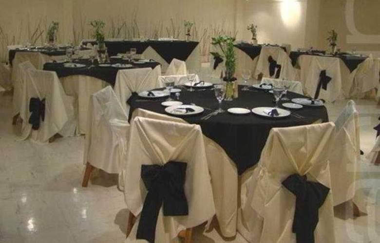 Sarum - Restaurant - 6