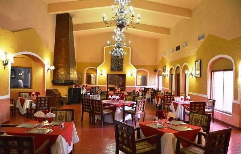 Villas Arqueologicas Cholula - Restaurant - 43
