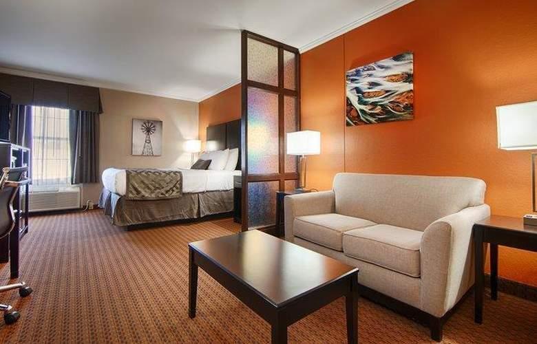 Best Western Plus Lubbock Windsor Inn - Room - 23